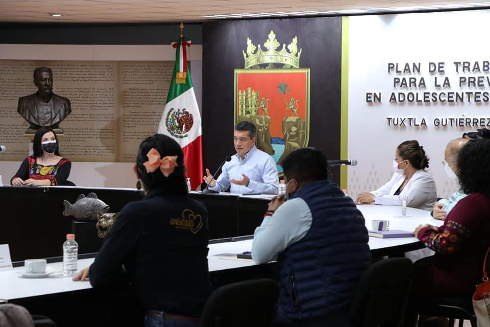 Fortalecen acciones para prevenir embarazo adolescente en Chiapas.jpg