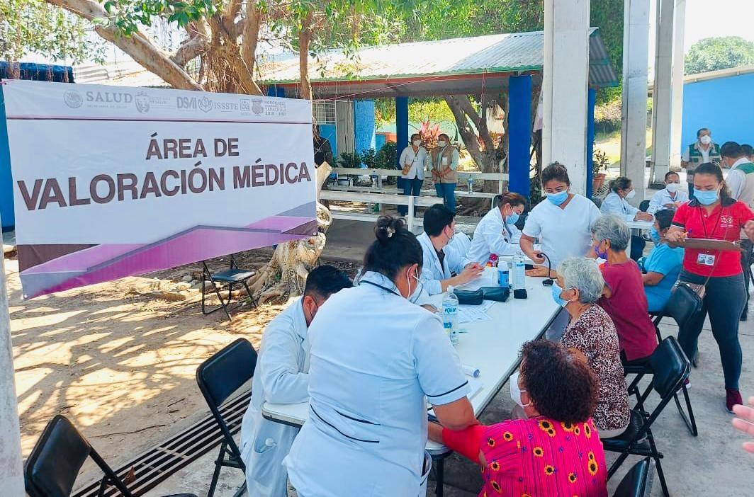 Crece cobertura de vacunación a adultos mayores en región Soconusco.jpg