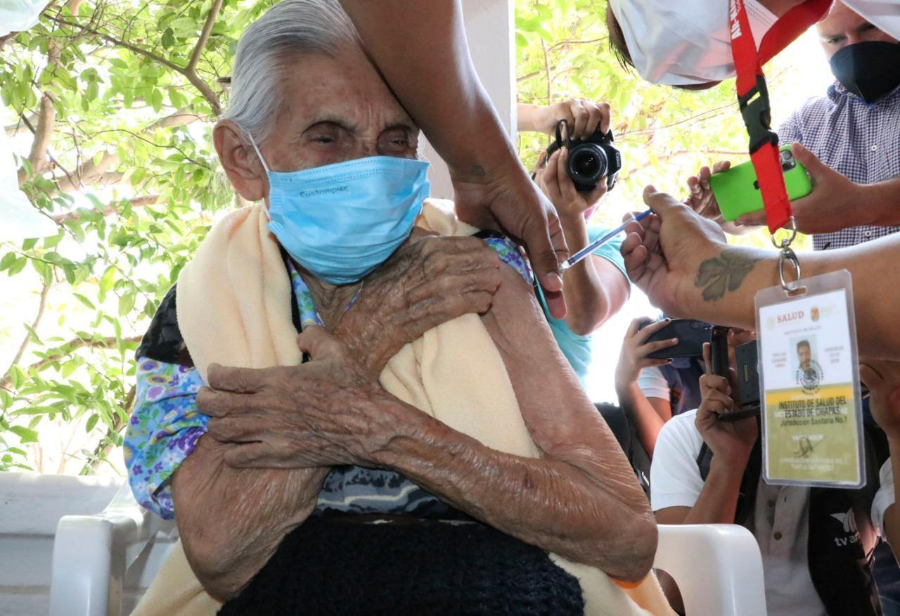 Avanza cobertura de vacunación contra COVID-19 en municipios de Chiapas.jpg