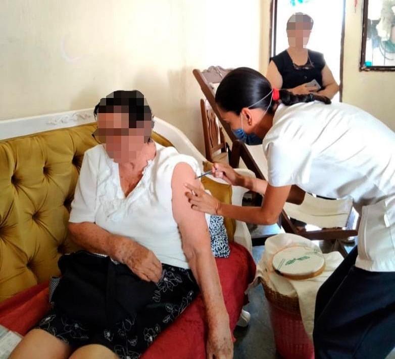 Sigue jornada de vacunación contra COVID-19 en Chiapas.jpg