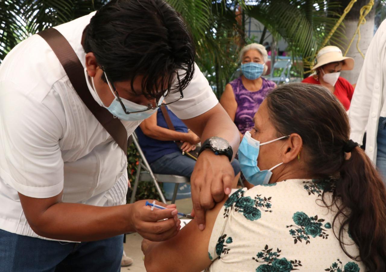 Inicia vacunación contra COVID-19 a población adulta mayor de Comitán, Villa Corzo y Villaflores.jpg