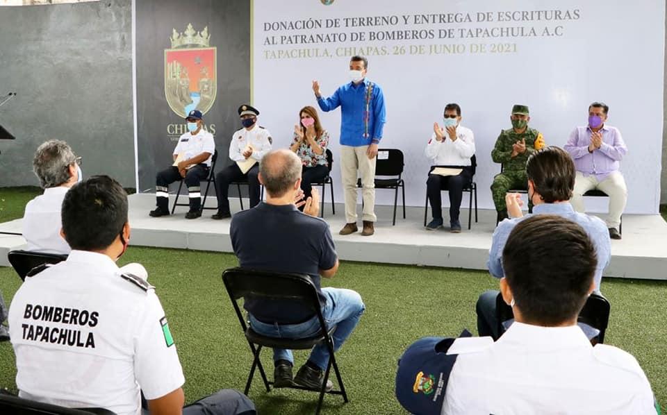 Encabeza Rutilio Escandón entrega de donación del predio de la Subestación de Bomberos de Tapachula.jpg