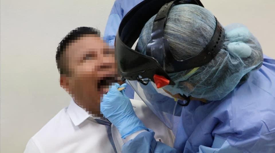 Casos graves y muertes por COVID-19 se registran en personas no vacunadas.jpg