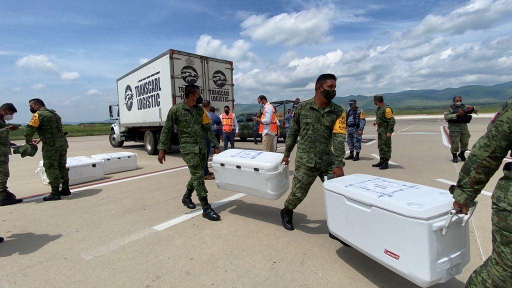 Arriban a Chiapas más de 121 mil vacunas anti COVID-19 para continuar protegiendo a la población.jpg