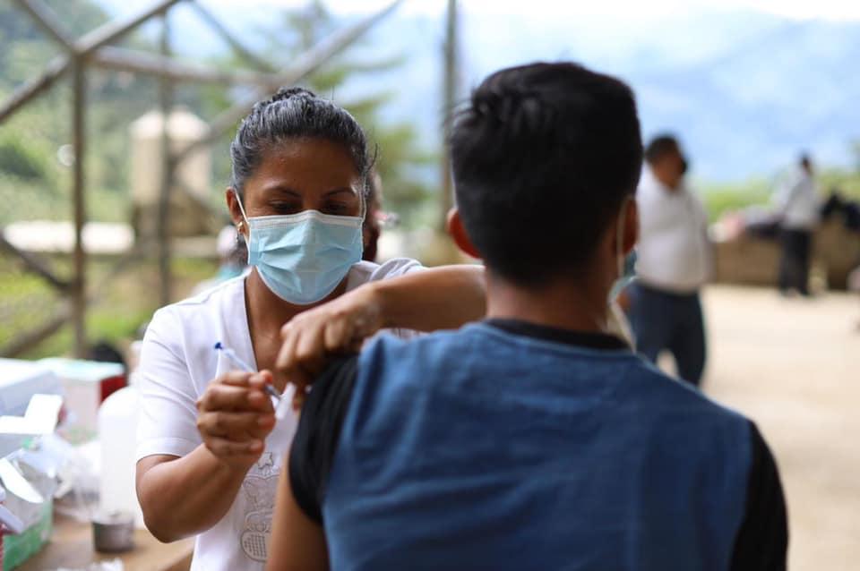En la ruta del café la gente sí se quiere vacunar.jpg