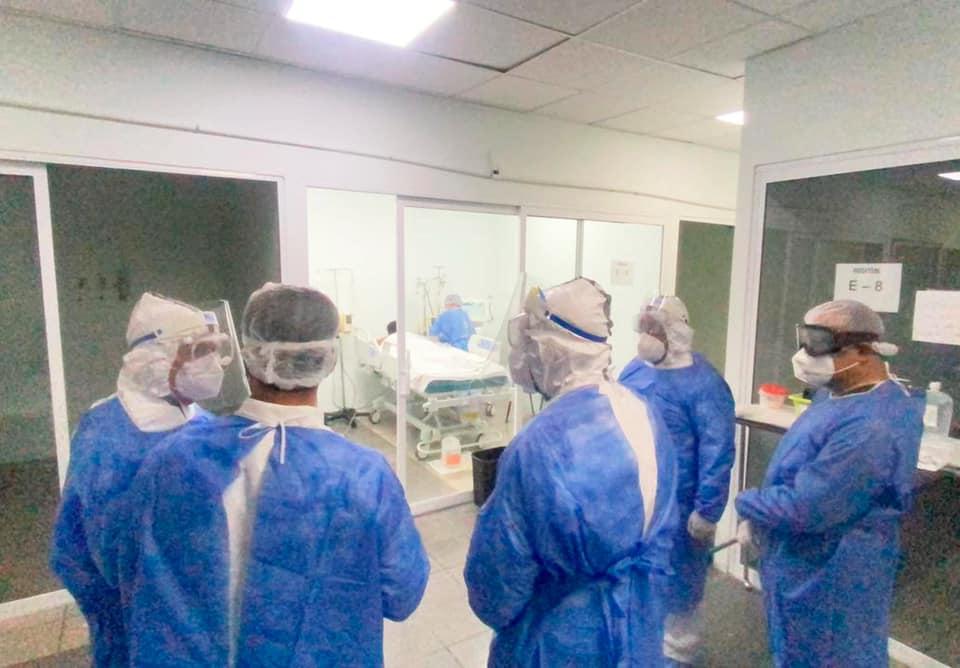Salud federal supervisa y constata operatividad de clínicas COVID-19 de la capital chiapaneca.jpg