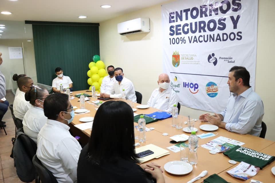 Diálogo entre SS y sector empresarial facilita vacunación contra COVID-19 en negocios.jpg