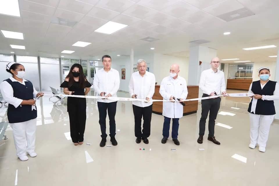 Presidente AMLO y Rutilio Escandón inauguran la reconversión del Hospital General de Huixtla.jpg