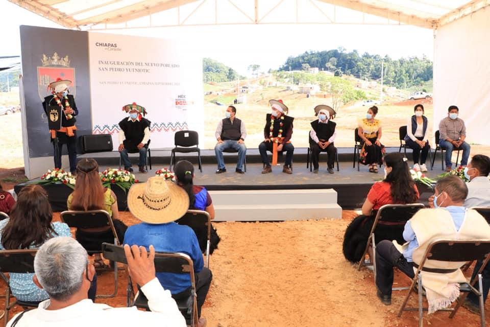 Con apoyo de Rutilio Escandón, San Pedro Yutniotic de Las Margaritas se establece en un nuevo espacio.jpg