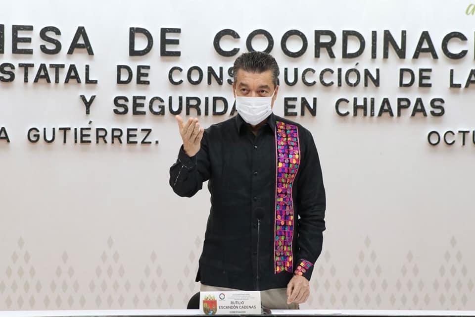 Rutilio Escandón reconoce a la Marina Armada de México, en el bicentenario de su creación.jpg